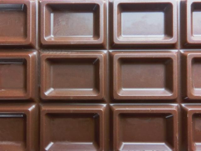 チョコレートでストレス解消は間違い!痩せられない悪循環と低血糖の話
